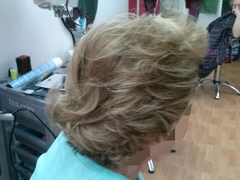 Prótesis de cabello Sintética